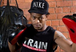 personal-trainer-train-gym-buyani